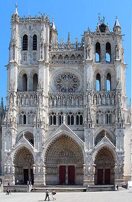 Notre-Dame van Amiens, Wat zijn de grootste kerken ter wereld? De top 25