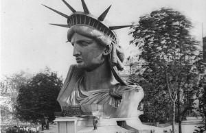 Het Vrijheidsbeeld, De tien meest beroemde standbeelden ter wereld