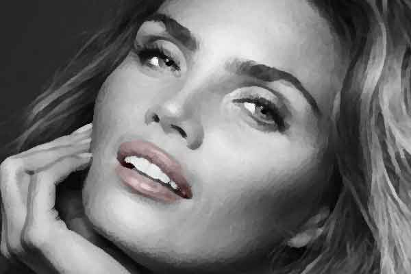 De-mooiste-vrouw-van-Nederland-2016-is-Kim-Feenstra