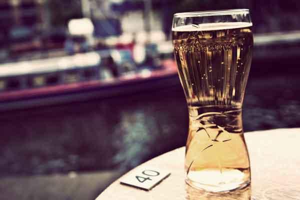 Duurste terrasstad van Nederland is Amsterdam