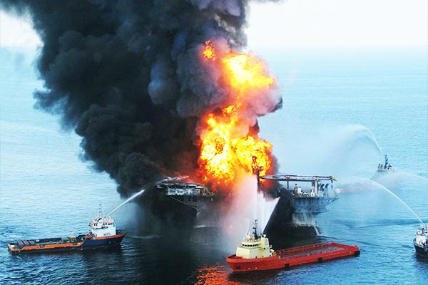 Grootste olierampen ter wereld start met het boorplatform Deepwater Horizon