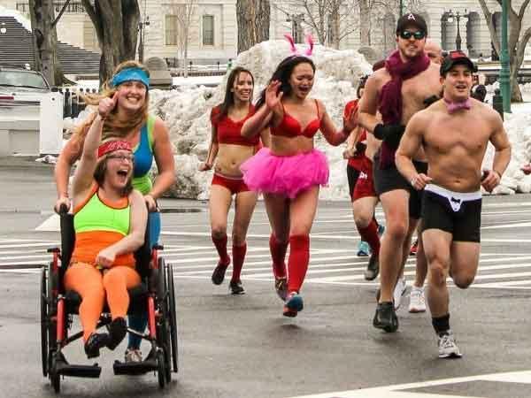 Waarom sporten gelukkig maakt: door de opeenstapeling van  positieve effecten