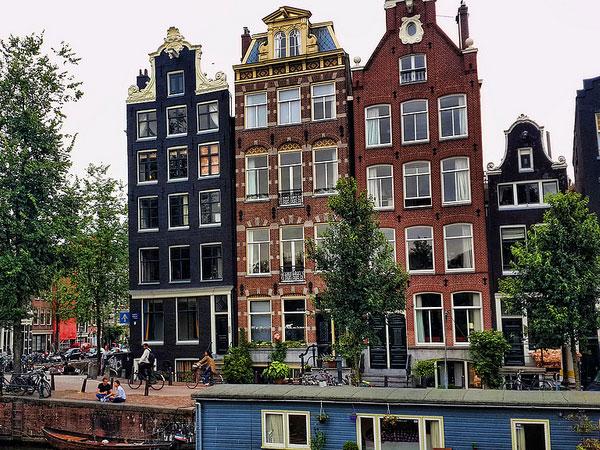 Huisprijzen stijgen het hardst in Amsterdam (overzicht grote steden en provincies)