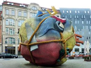 Houseball, Berlijn - Coosje van Bruggen