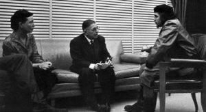 Ontmoeting van Simone de Beauvoir, Jean-Paul Sartre en Che Guevara op Cuba in 1960