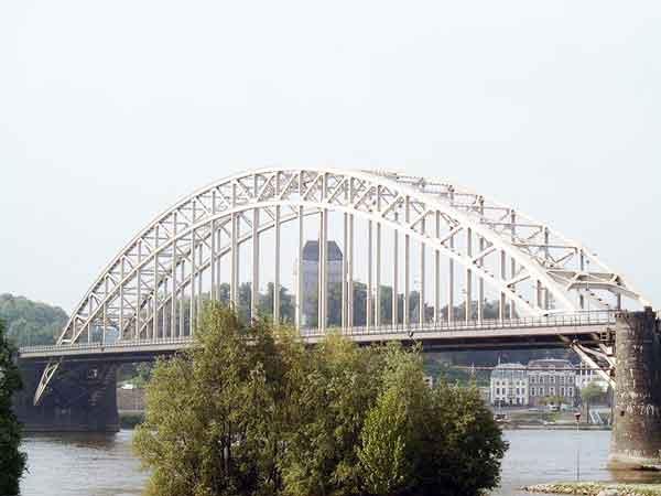 Brug over de Waal - Langste bruggen in Nederland