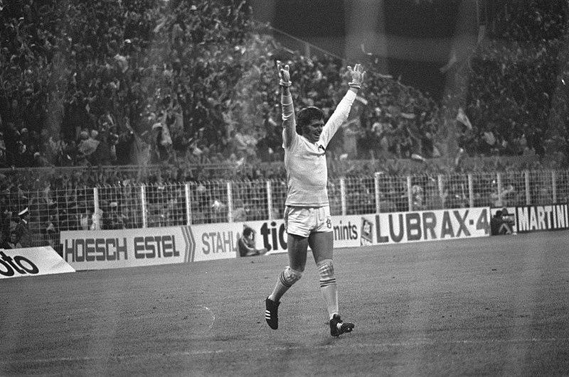 Jan Jongbloed juicht na doelpunt, WK 74 Nederland tegen Brazilie 2-0