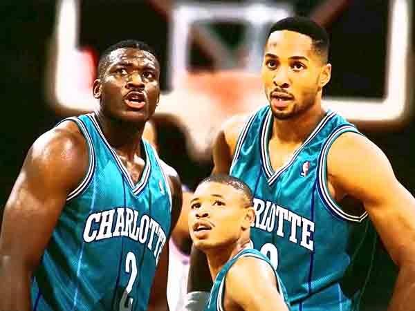 Kleinste basketballers aller tijden in de NBA (met bewegend beeld!)