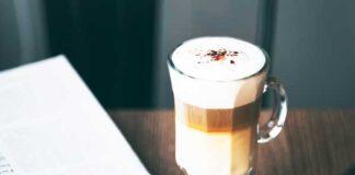 Kleur koffiekop grote invloed op smaak