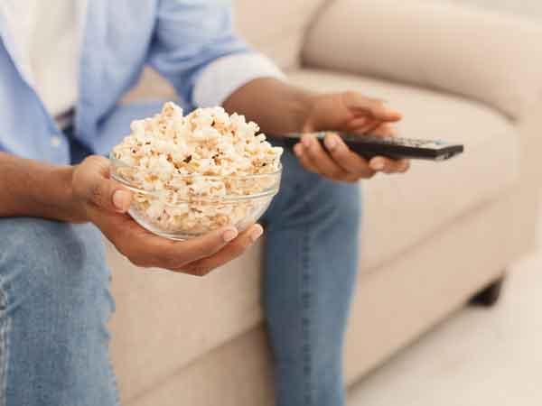 Waarom eten we zoveel als we televisie kijken
