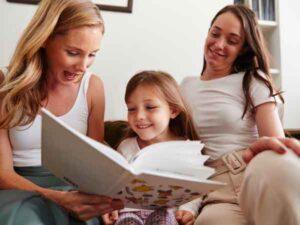 Kinderen met ouders van hetzelfde geslacht doen het beter op school