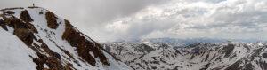 Panoramafoto van Mount Elbert in juni