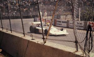 Ertl in 1976 met Hesketh 308D in de Grand Prix Verenigde Staten op Long Beach