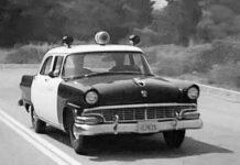 Mooiste Amerikaanse klassieke politieauto's Ford Mainline Fordor