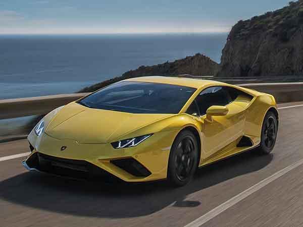 Top 10 Supercars 2021: Lamborghini Huracan RWD