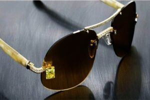Luxuriator Canary Diamond Glasses