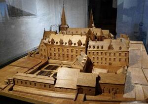 Maquette van de voormalige abdij in de Stiftskerk