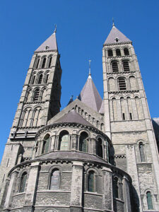 Romaanse koorpartij van de Onze-Lieve-Vrouwekathedraal in Doornik