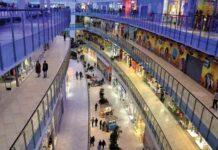 Grootste winkelcentra in Europa - Binnen in Het Aviapark in Moskou