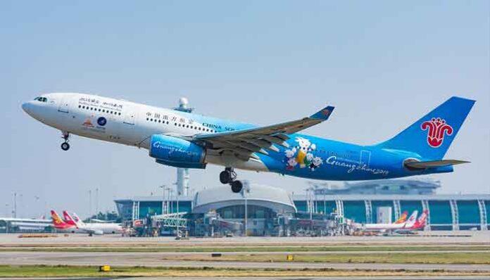 Vliegvelden met meeste passagiers 2020 China Southern Airbus A330 vertekt van vligveld Chengdu