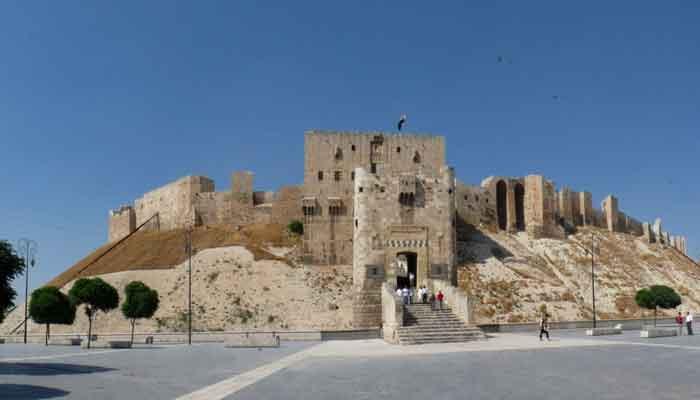 Top 10 oudste kastelen ter wereld die nog steeds te bezoeken zijn