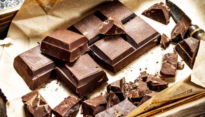 Eten chocolade na opstaan helpt vetverbranding en verbetert bloedsuikerspiegel