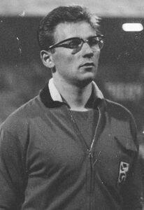 Jef Jurion als aanvoerder van België.